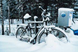 Låt inte cykeln stå i vinter - använd dubbdäck istället!