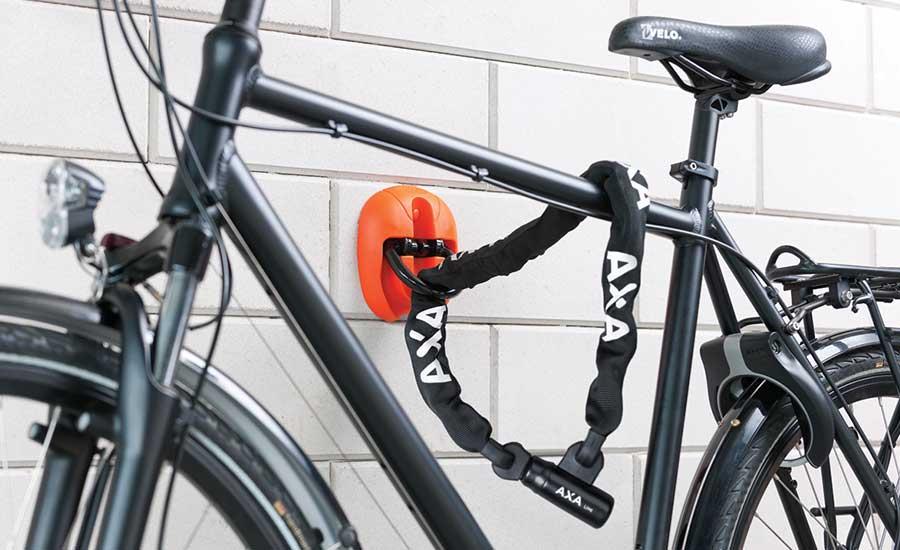 golvankare för att förankra cykeln