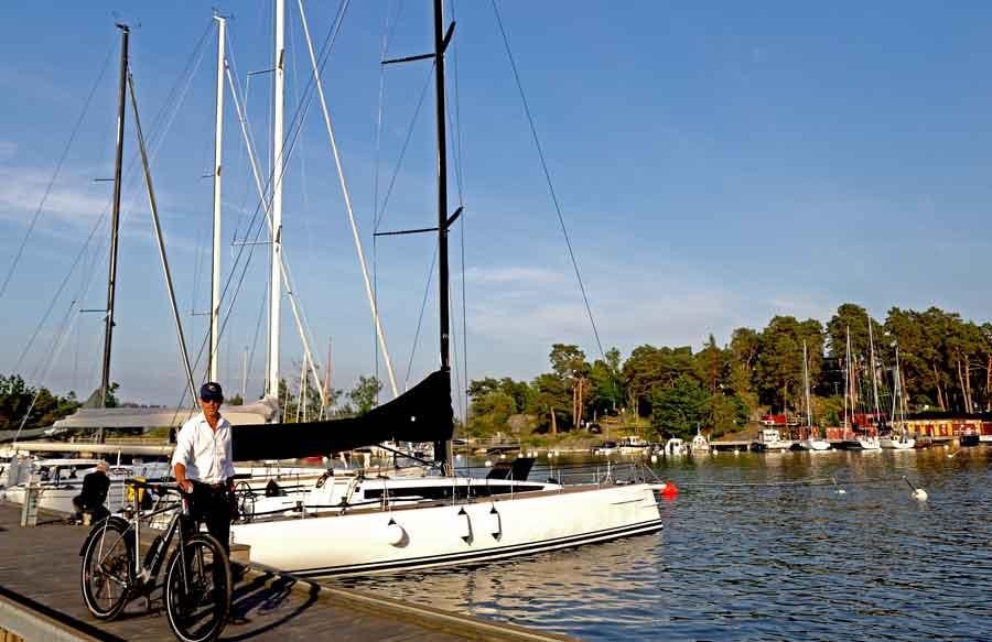 cykel och segelbåt