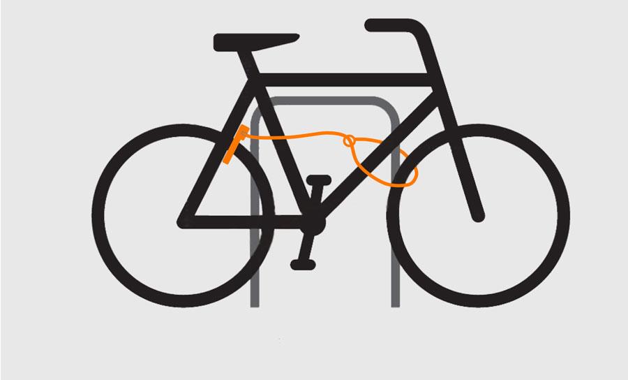 Cykel låst med ramlås och ramlåsförlängning