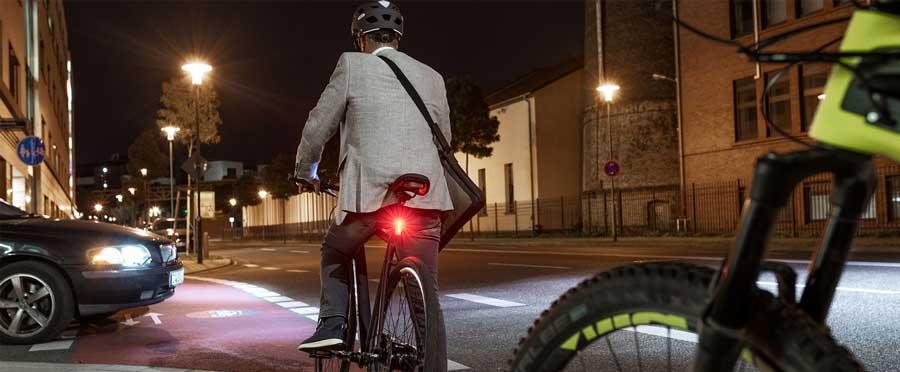 cykel med bromsljus