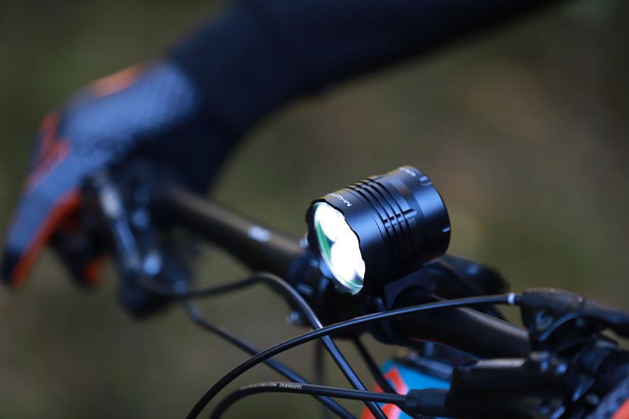 MTB-lampa på styret