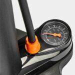 Fotpump SKS Air-X-Press 8.0, med analog tryckmätare (manometer)