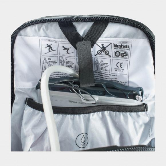 Cykelryggsäck med ryggskydd EVOC FR Trail Blackline, förberedd för vätskebehållare, 20 liter, Small