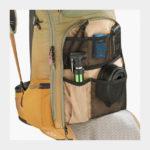 Cykelryggsäck med ryggskydd EVOC FR Trail Women Light Olive/Loam, förberedd för vätskebehållare, 20 liter, Medium/Large