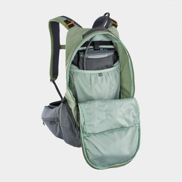 Cykelryggsäck med ryggskydd EVOC Trail Pro Light Olive/Carbon Grey, förberedd för vätskebehållare, 16 liter, Small/Medium
