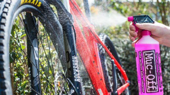 Underhållskit för cykel MUC-OFF Wash, Protect and Wet Lube Kit, 400 ml + 1000 ml + 50 ml