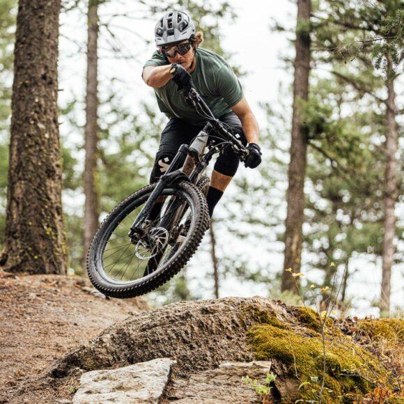 Cykelhjälm Sweet Protection Trailblazer Matte White, Medium/Large (56 - 59 cm)