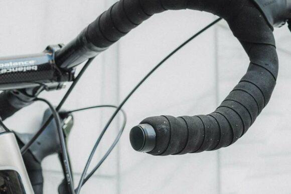 Spårsändare för cykel Bikefinder BFG1T - GPS-tracker som integreras i styret