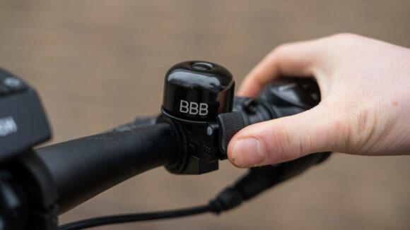 Miniringklocka BBB Loud & Clear, Ø32 mm, aluminum, svart