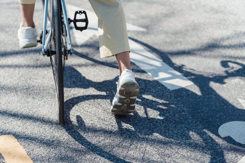 Cykel trampor i stad
